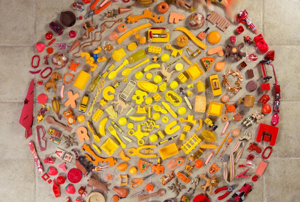 HILLERBRAND MAGSAMEN – found object mandala